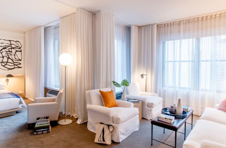 Ambassador Hotel Chicago - Loft Suite